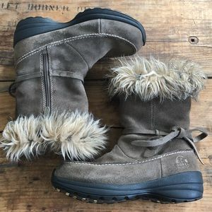 SOREL US 7.5 Northern Lite Tall Snow Suede Boots
